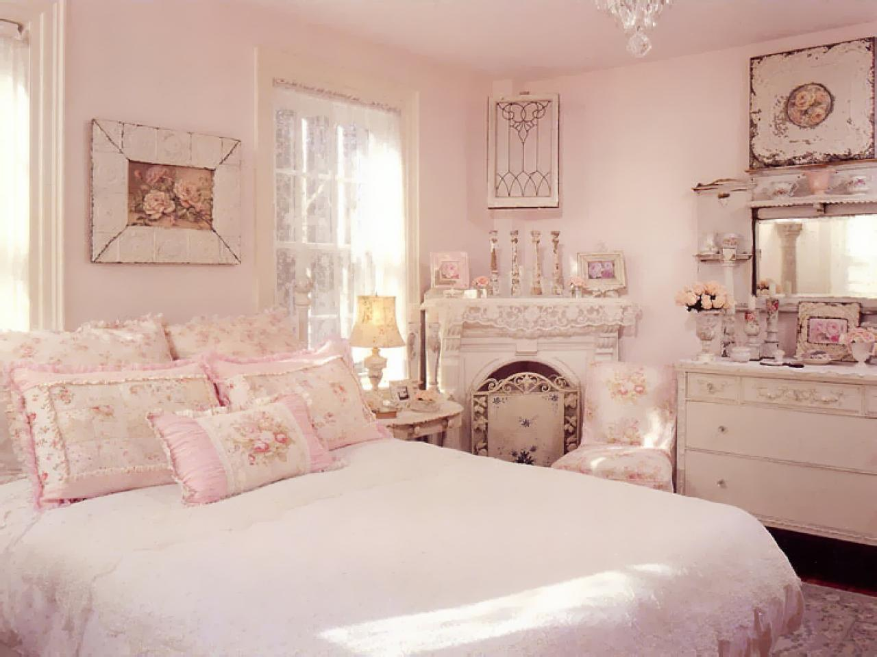 rms vintagerosecollection shabby chic pink bedroom feminine floral s4x3.jpg.rend .hgtvcom.1280.960 - Комната для девушки - идеи интерьера
