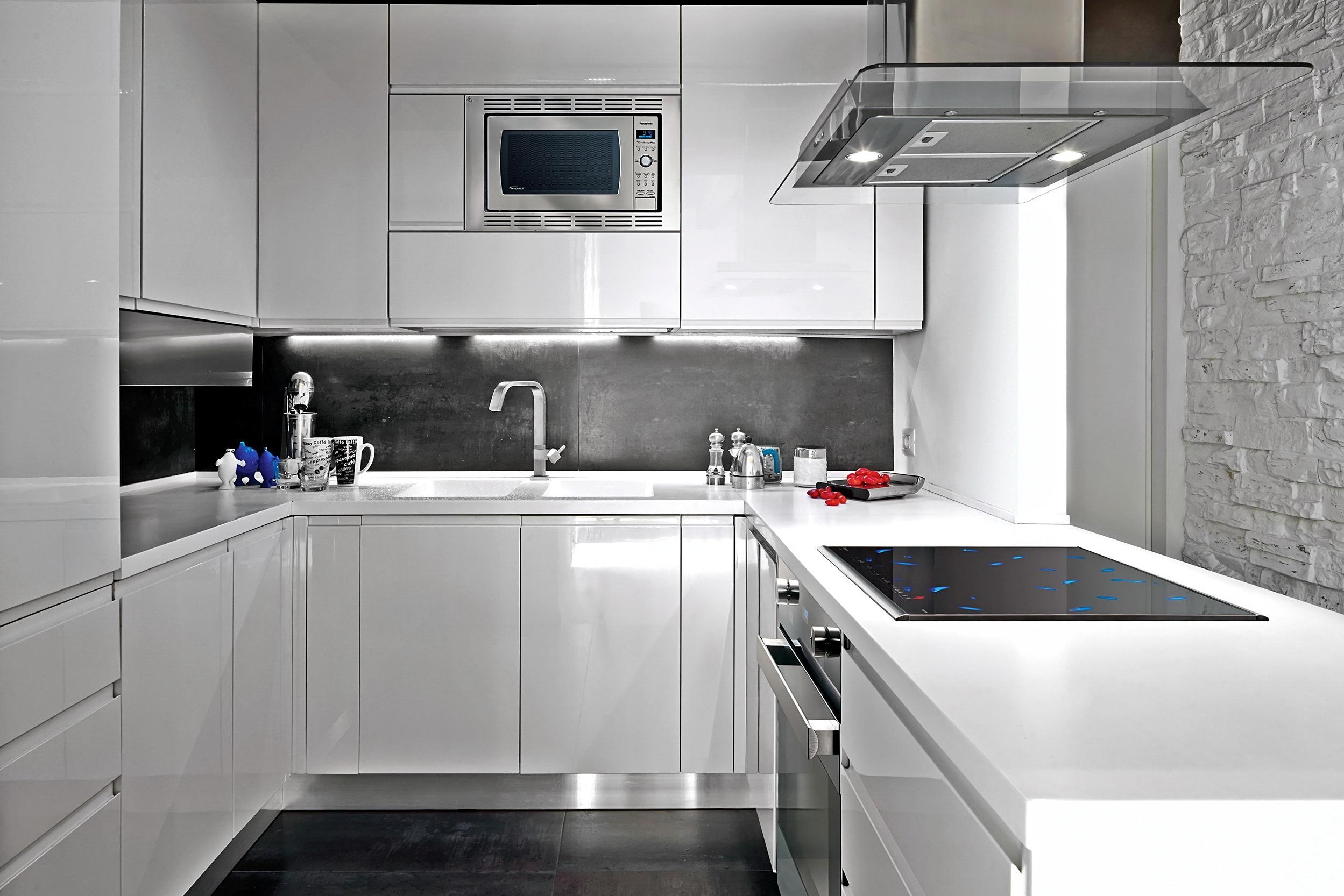 belaja gljancevaja kuhnja - Интерьер кухни в белом цвете
