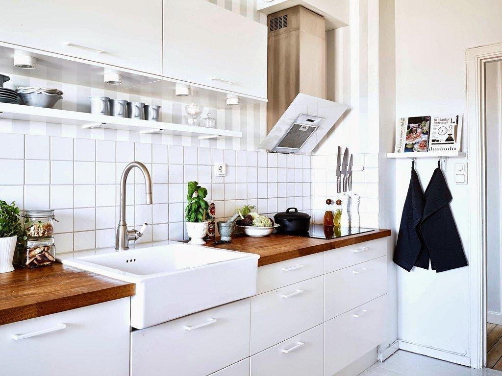 belyj kafel na kuhnyu - Интерьер кухни в белом цвете