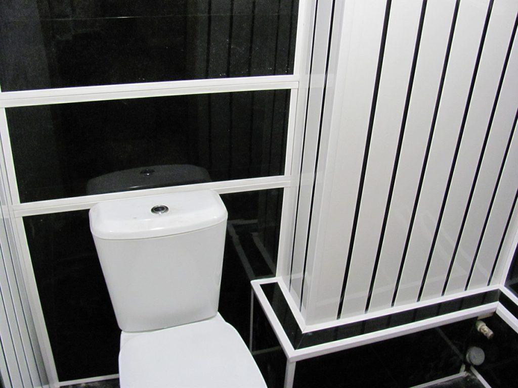 post 5c18d4530c4f9 - Ремонт туалета пластиковыми панелями