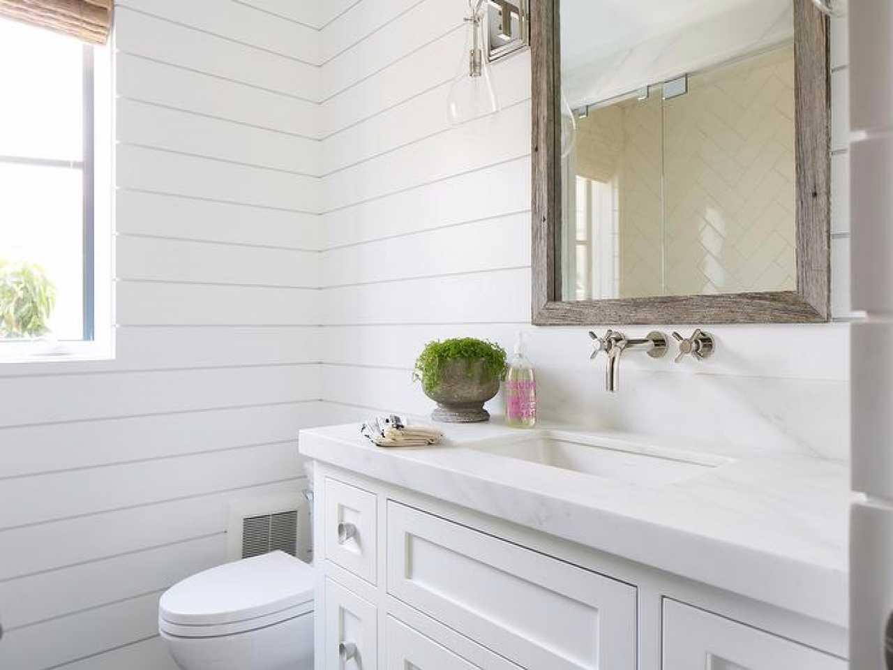 tualet2 - Ремонт туалета пластиковыми панелями