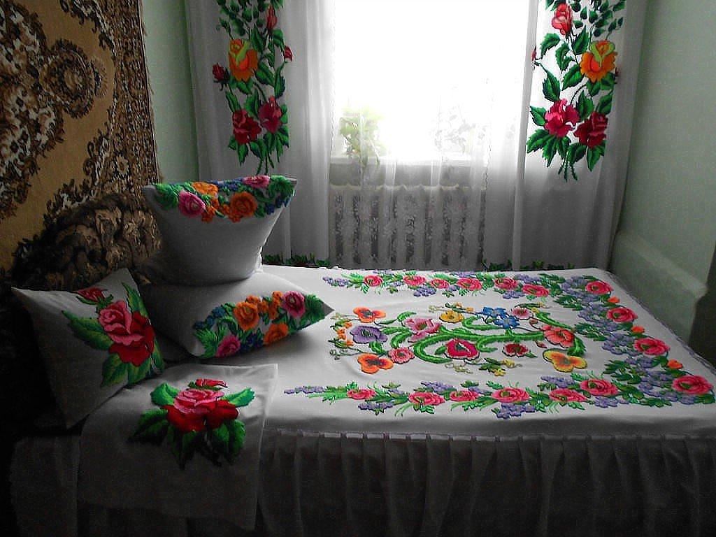 vishivka v interere 14 - Вышивка и вязание в интерьере квартиры