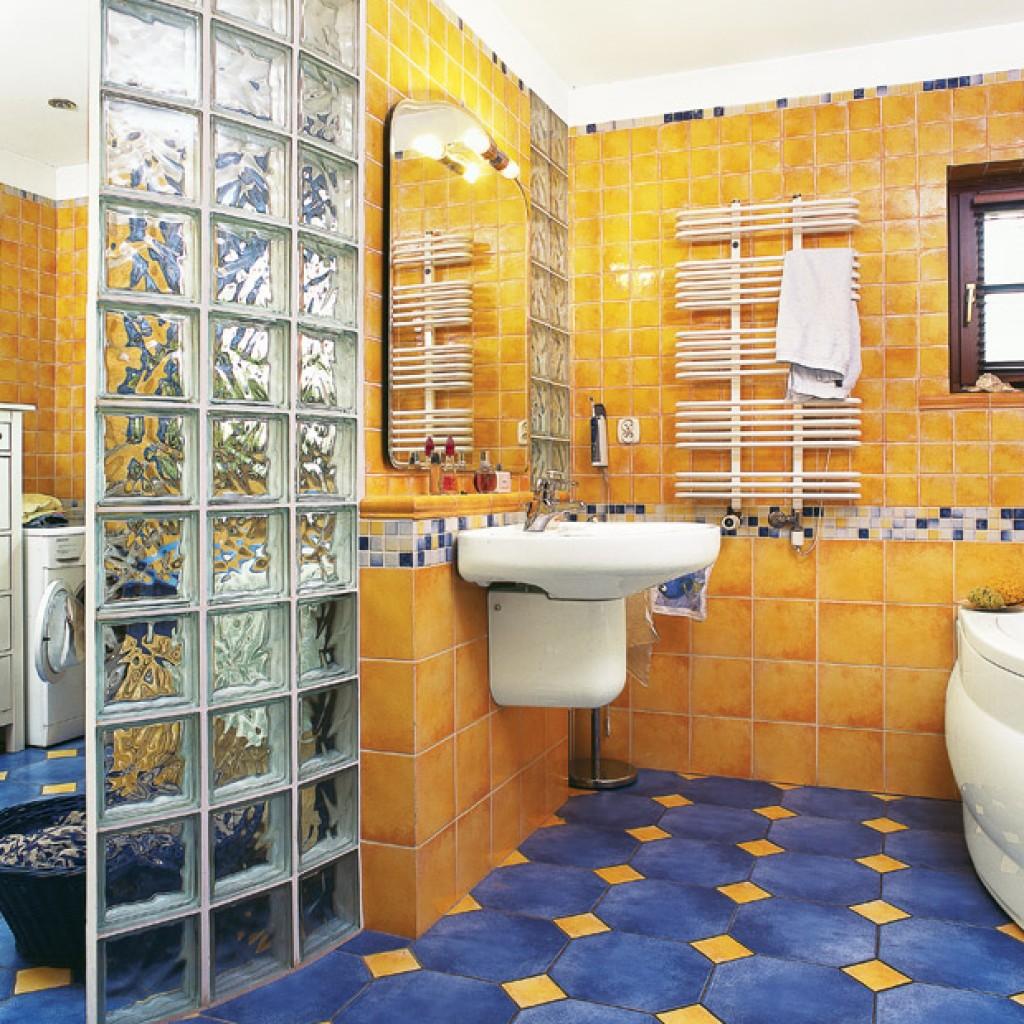 zheltaya plitka dlya vannoj plyusy i minusy 12 - Идеи и советы для ремонта в ванной комнате