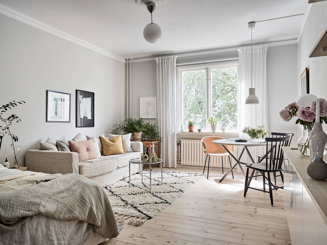 skandinavskaya odnokomnatnaya kvartira s malenkoj kuxnej 1 - Идеи интерьера трехкомнатной квартиры